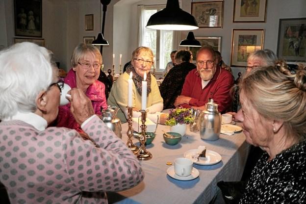 I pausen kunne publikum købe kaffe og kage. Foto: Peter Jørgensen Peter Jørgensen