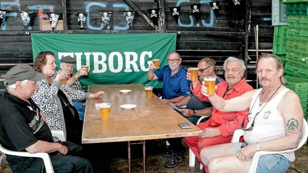 Pirat Kroen i fiskeauktionen var også genåbnet og allerede godt besøgt. Foto: Peter Jørgensen Peter Jørgensen