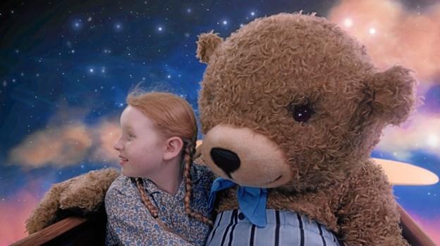 Anna og bamsen hr. Johnson.