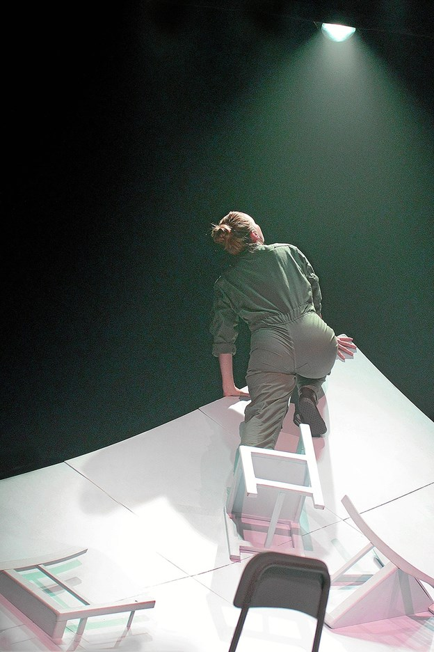 Grounded har kun Kaja Kamuk fra Klejtrup på scenen.         Foto: Niels Reiter
