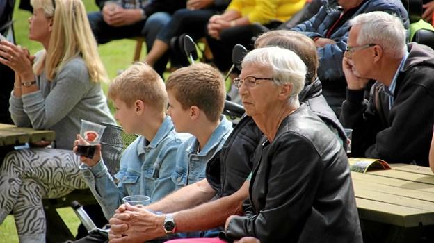 Både børn og voksne nød musikken. Foto: Hans B. Henriksen Hans B. Henriksen