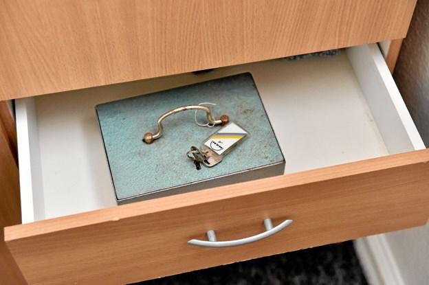 I en af skufferne stod pengekassen - med nøgler i. Foto: Ole Iversen Ole Iversen