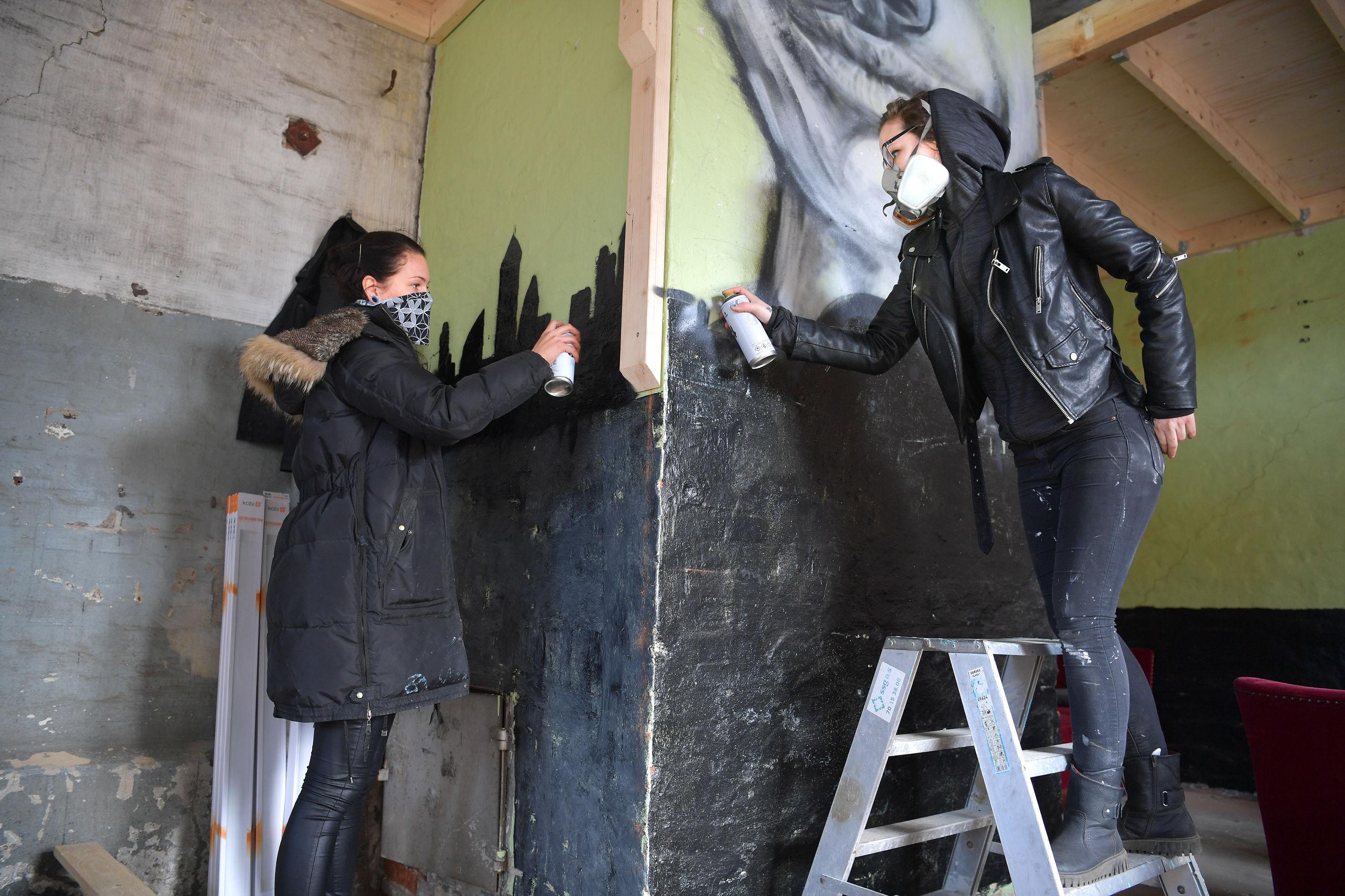 Arbejdet med at gøre det nye atelier klar er i fuld gang. Foto: Claus Søndberg