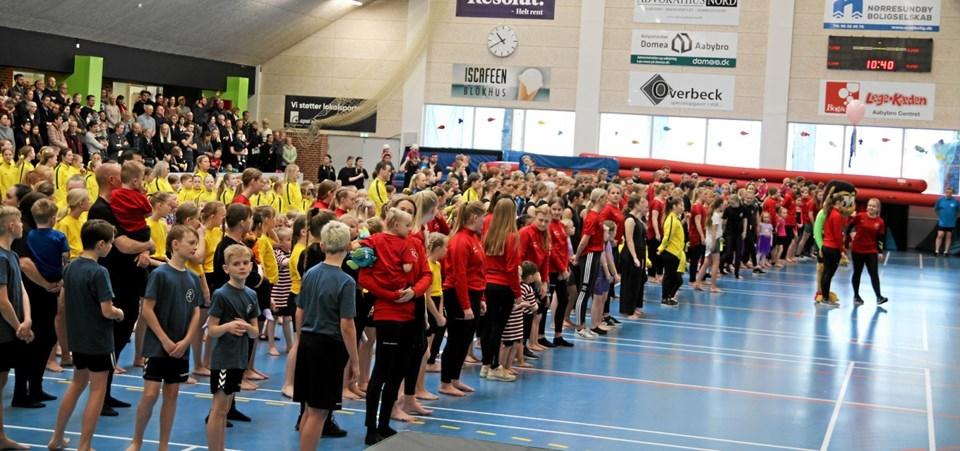 DGI-Huset er fyldt med forventningsfulde gymnaster. Flemming Dahl Jensen