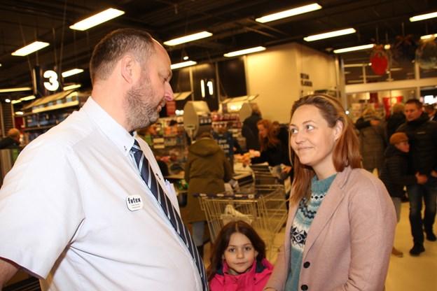 I snak med lederen af Føtex i Thisted, Palle Jensen.  Foto: Hans B. Henriksen