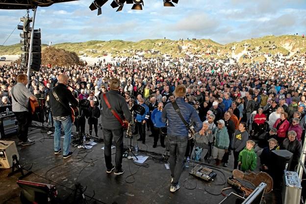 Tørfisk gæstede Blokhus sankthansaften 2018 og spillede for tusindvis af mennesker på Blokhus Strand.Privatfoto
