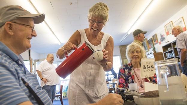 Der er kaffe på kanden, når Lave Knud Boch kommer på besøg. Foto: Laura Thomsen