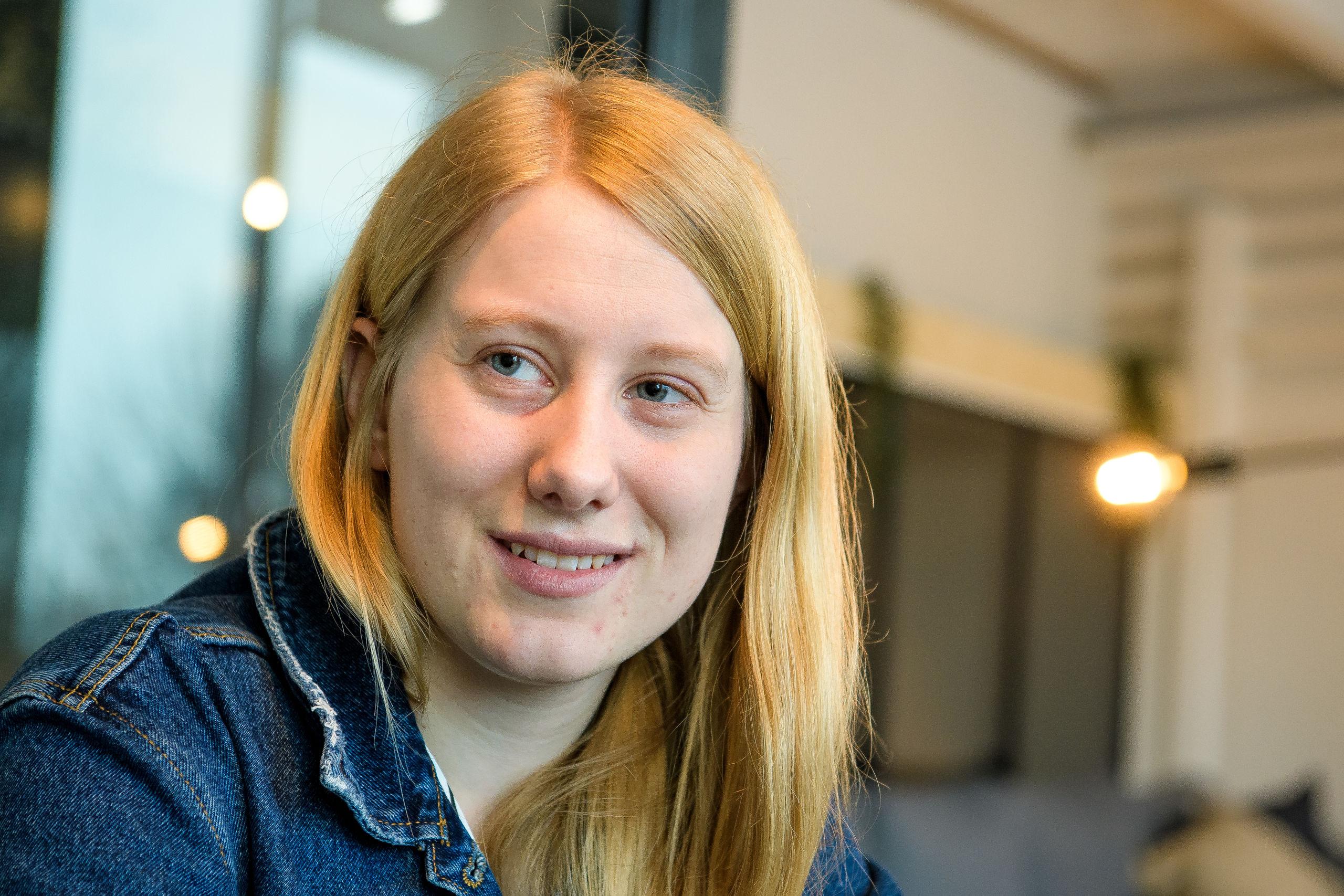 Josefine Immersen har kun læst kort tid, men hun glæder sig til at få noget erfaring. Foto: Bo Lehm