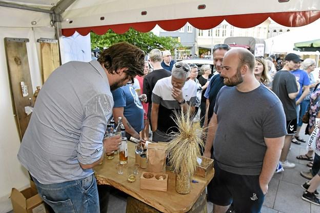 Hos Thy Whisky kunne man smage Gyrups gyldne dråber i flere udgaver. Foto: Ole Iversen