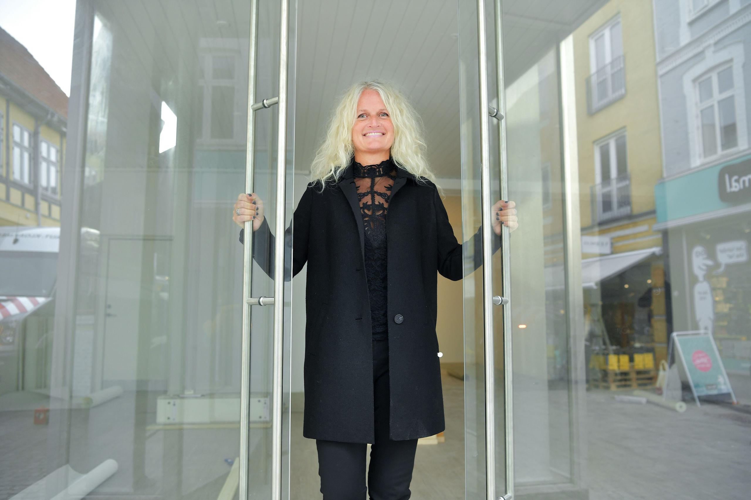 Karina Lundtoft glæder sig til at byde kunderne indenfor i sin nye forretning. Foto: Claus Søndberg