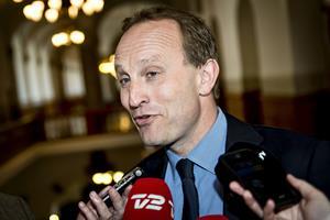 Enhedslisten freder minister i solcellesag