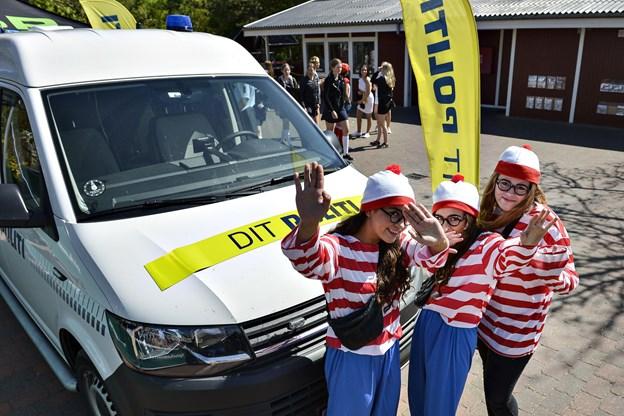 Sidste skoledag: Politiet rykker ind i Fårup Sommerland