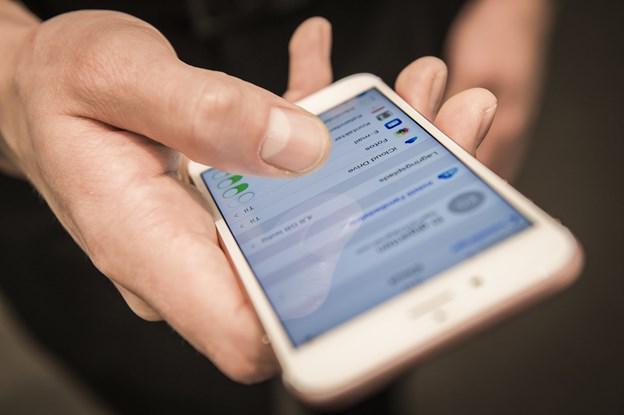 Så sløvt er internettet: Borgmester måtte op på en bakke for at bruge Mobilepay