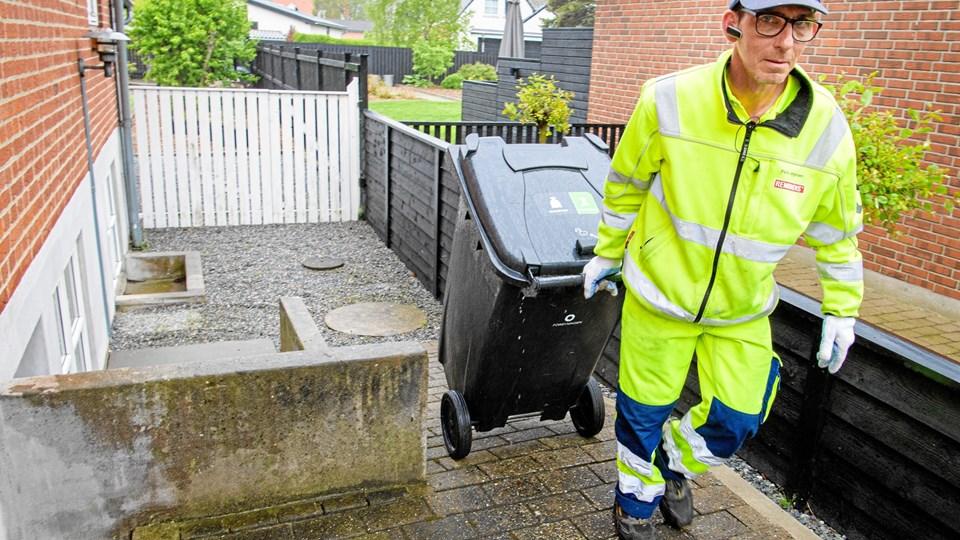 Fremover bliver det dyrere at få hentet sit affald i Frederikshavn Kommune. Arkivfoto: Peter Broen