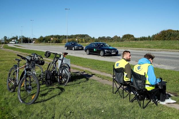 Operation trafiktælling er i fuld gang i lyskrydset Humlebakken-Langagervej i Aalborg Øst.