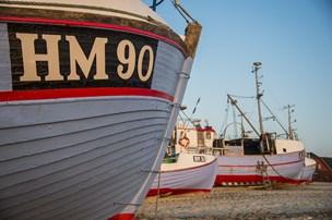 Thorup Strand har mistet en af kutterne: Tre mand i redningsflåde reddet efter forlis