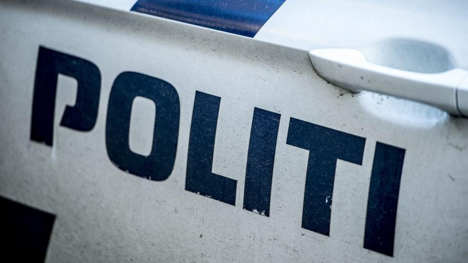 Trafikulykken skete klokken 06.28, hvor varebilen påkørte den mandlige cyklist, som blev kastet op i luften og landede på marken i vejkanten. Foto: Scanpix/Mads Claus Rasmussen/arkiv