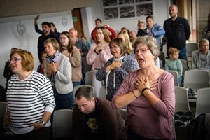 Stormøde i Agger: 100 troende tyskere fra pinsekirke vender tilbage år efter år