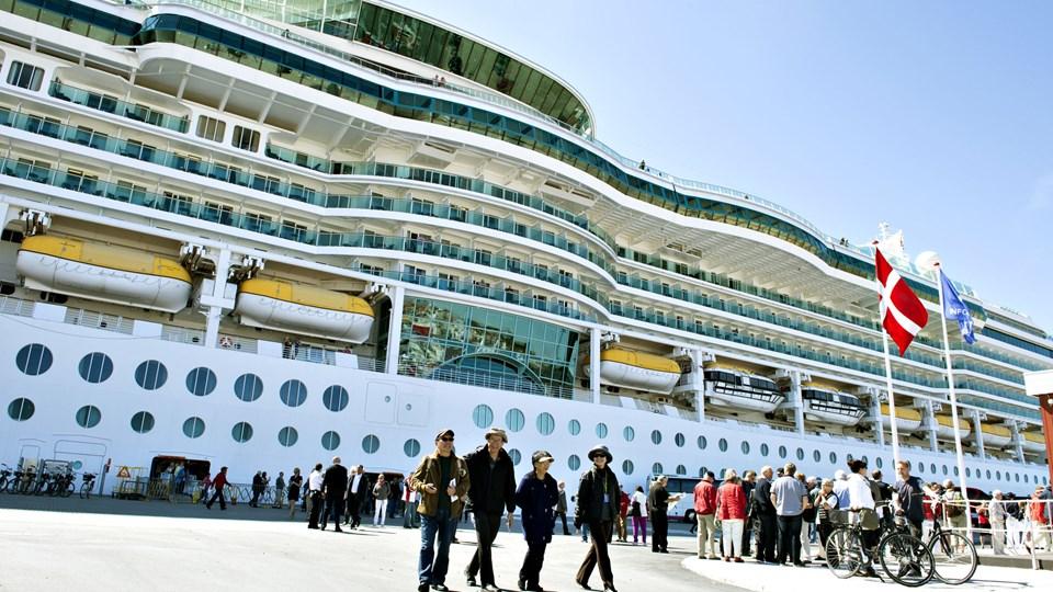 Krydstogtsæsonen er for alvor i gang. På fredag anløber hele to krydstogtskibe Skagen Havn. Fotoet her er skibet Brilliance of the Seas, der tidligere har været i Skagen. Arkivfoto: Henrik Louis