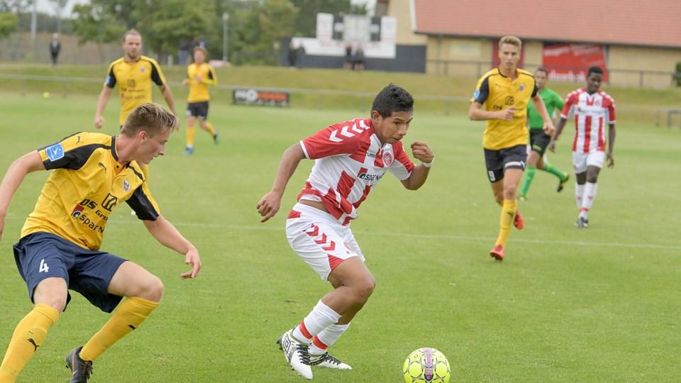 Edison Flores deltog i AaB's sidste reserveholdskamp, men det kan meget vel være peruvianerens sidste optræden i Aalborg. Foto: Henrik Louis