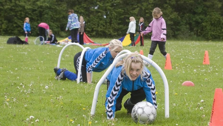 Piger i fodboldtrøjen