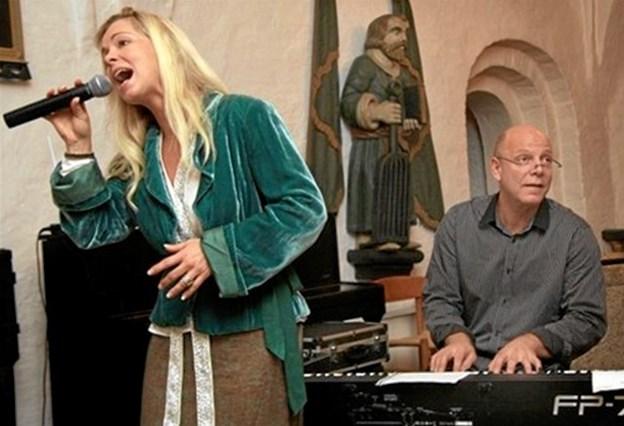 Tirsdag 4. dec. kl. 14 underholder Tina Siel og Knud-Erik Trane i Aktivitetshuset.Arkivfoto.