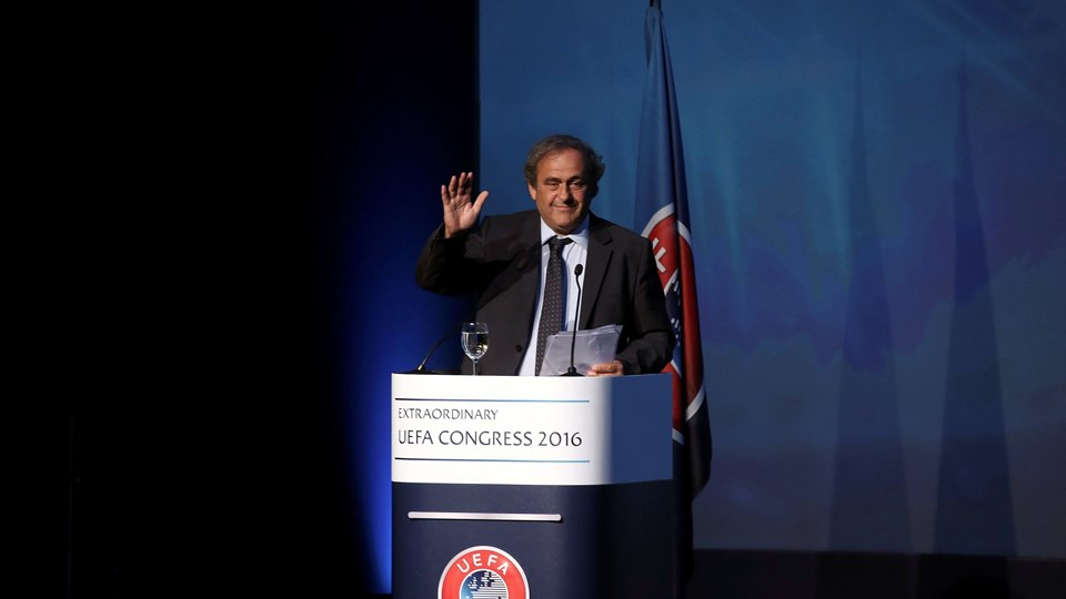 Former UEFA President Michel Platini waves after his speech before the election of the new UEFA President in Athens Foto: Reuters/Alkis Konstantinidis