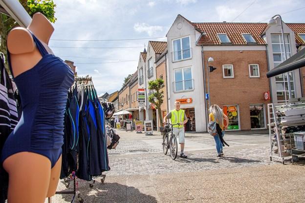 Internethandel og storcentre truer gågade: Nu vil Hobro gøre sig lækker for kædebutikker