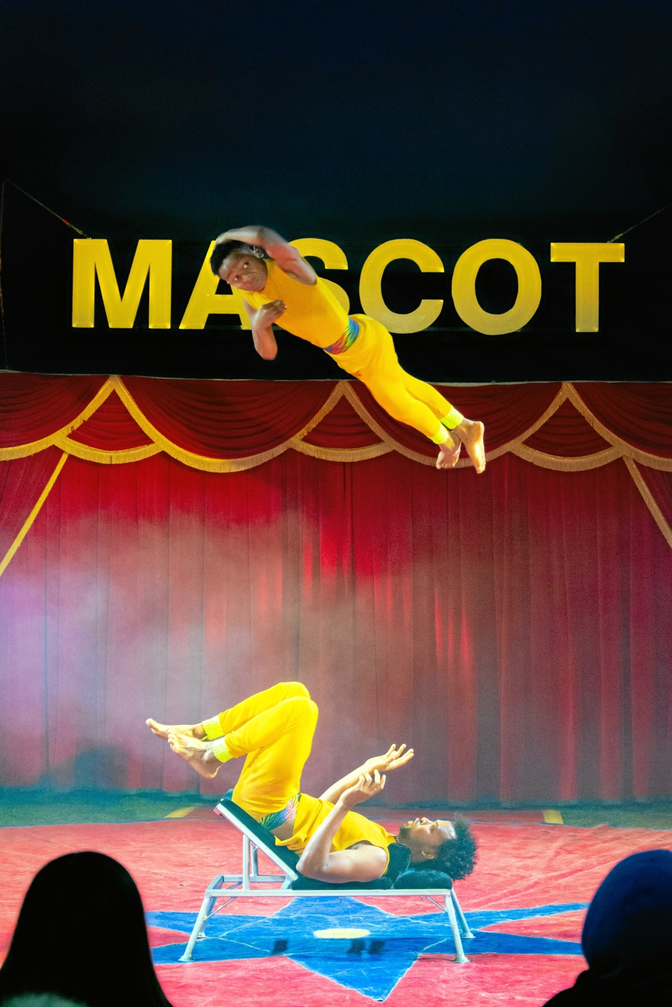Cirkus er i byen: Det er spektakulært og nært
