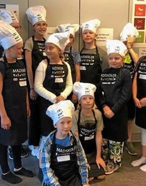 Børn elsker at lave mad