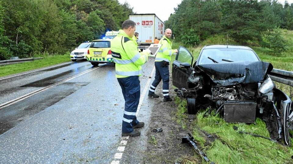 Bilen blev totalskadet ved ulykken. Foto: Jan H. Pedersen