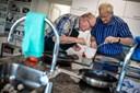 Spisevenner: Opskriften på at klare sig selv findes i skolekøkkenet