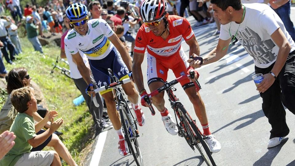 """Joaquim """"Purito"""" Rodriguez (i rødt) vandt endnu nogle sekunder på Alberto Contador i Vueltaen. Foto: REUTERS/Miguel Vidal"""