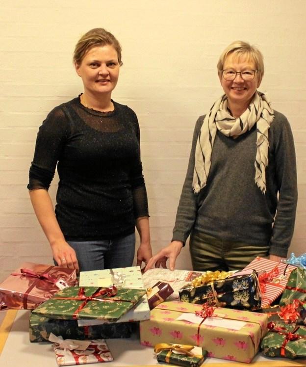 Sognepræst Iben Brejner Højgaard og klubpræsident Anne Marie Vestergaard, Als. Foto: privat.