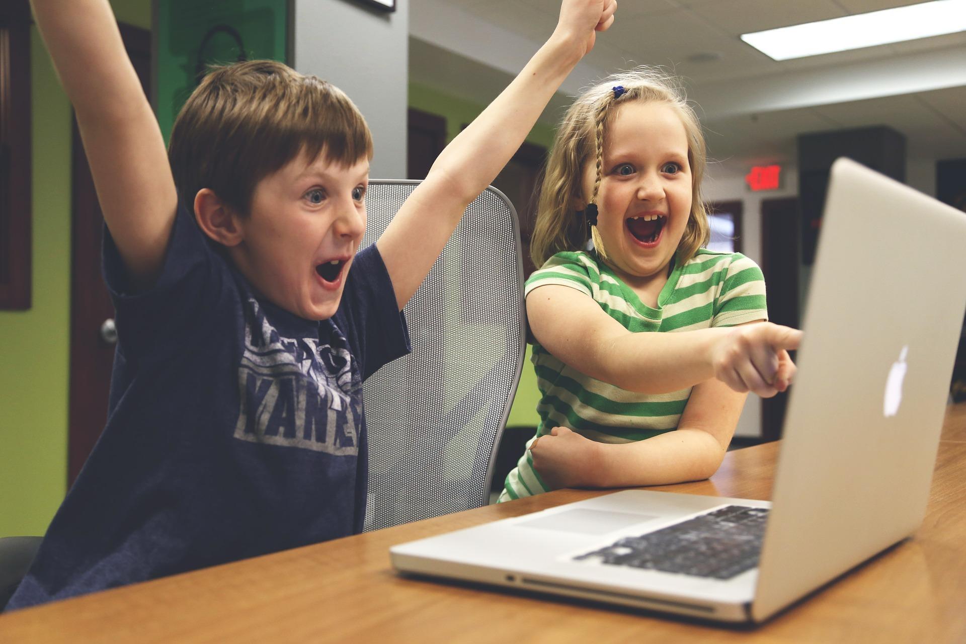 Online programmeringskursus til dem der mangler underholdning til sit barn