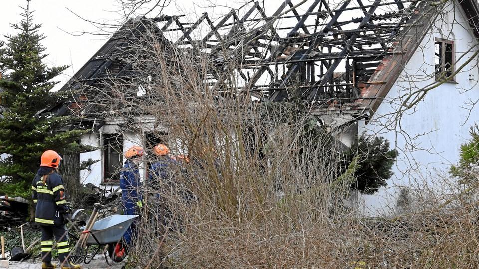 Der er stadig ingen spor efter 73-årig Erik Verner Bækgaard, der har været forsvundet siden hans landejendom ved Vebbestrup brændte 8. marts. Arkivfoto: Jan Pedersen