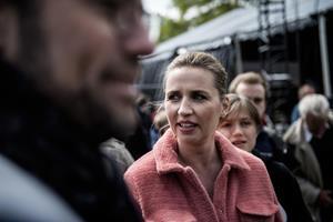 Mette Frederiksen kritiserer pensionsaftale - men vil stemme for