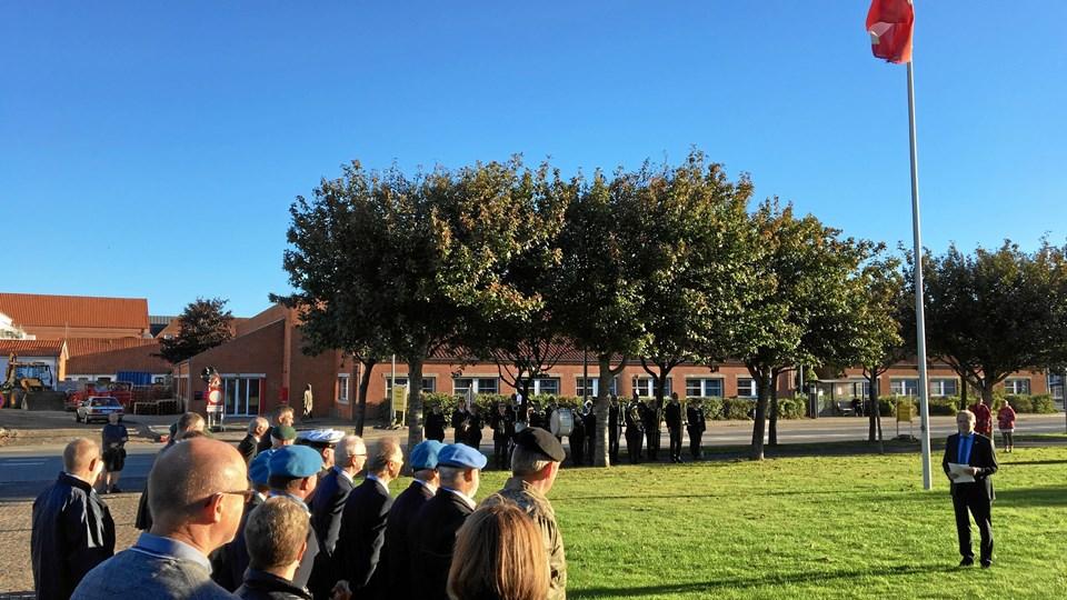 Omkring 30 veteraner var mødt op til markeringen af deres indsats for at sikre fred og sikkerhed - med tale fra Morsø-borgmester Hans Ejner Bertelsen.Foto: Privat