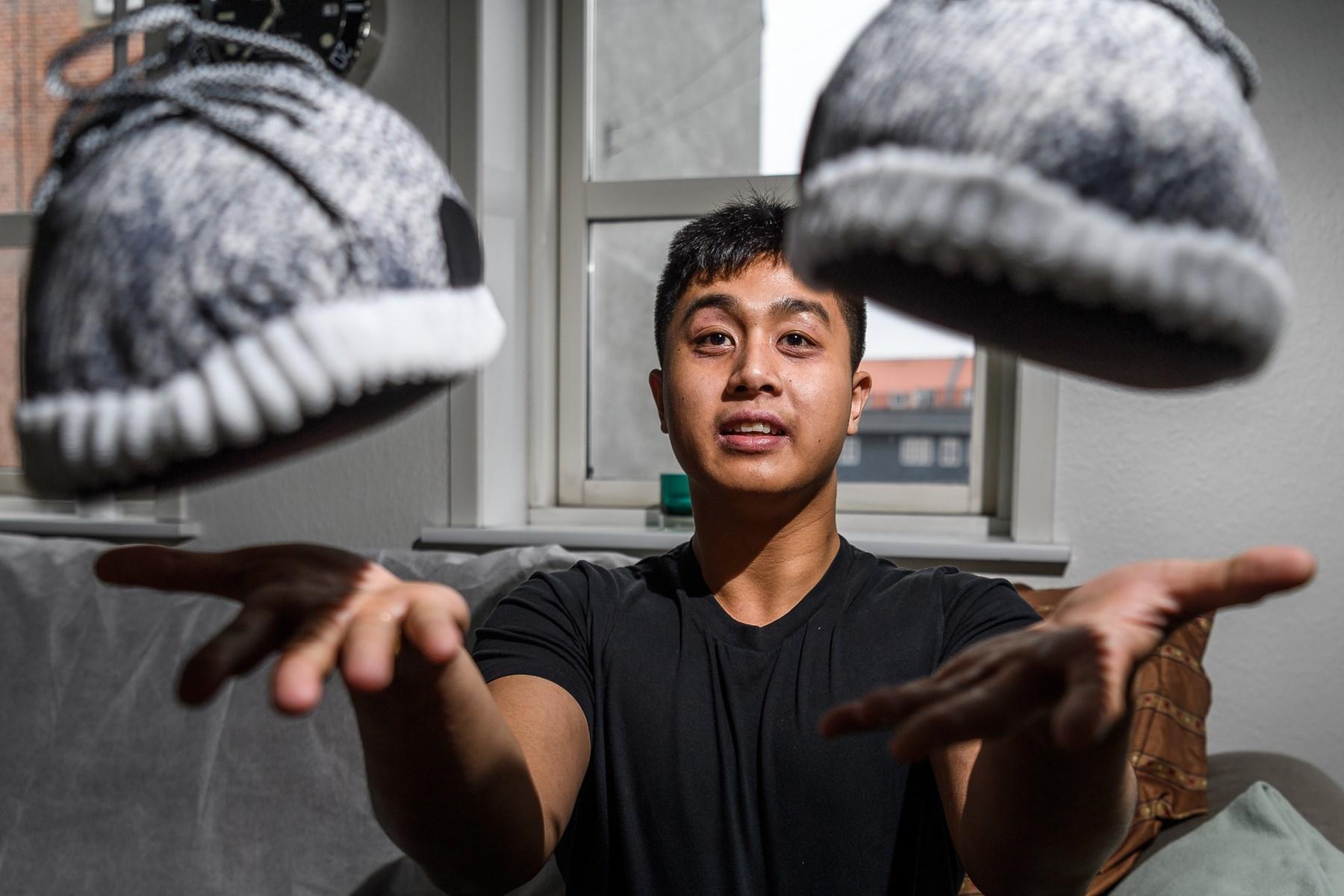 19-årig sælger fancy futsko