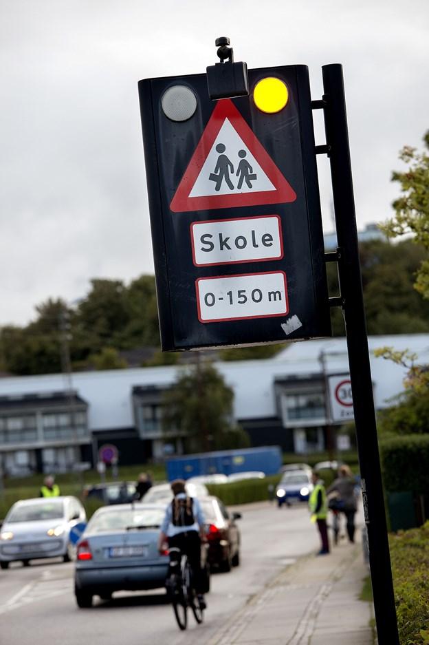 Det er snart tid til skoletrafik igen - og børnene kan have gavn af at træne med en voksen, skriver Rådet for Sikker Trafik.   Arkivfoto: Lars Pauli