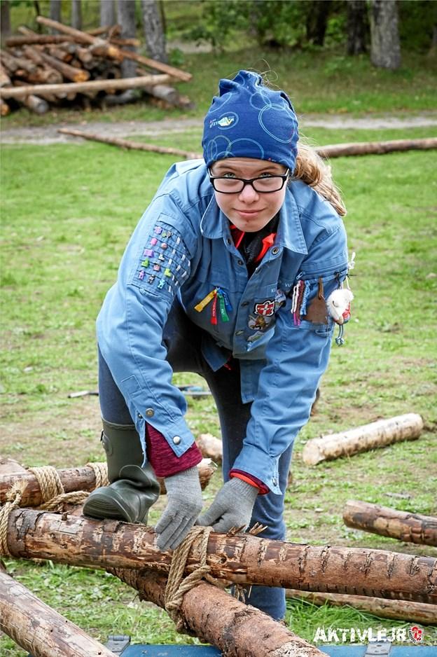 Susan S. Nørmølle fra FDF Klim-Thorup-Vust var i gruppen højt med reb og rafter. Foto: Michael Hjorth