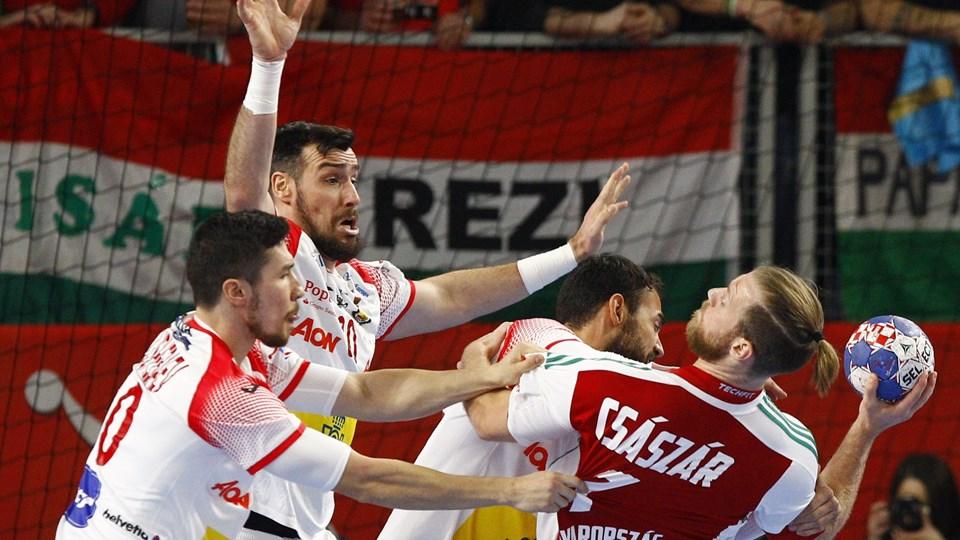 Gedeón Guardiola (med armene oppe) har et indgående kendskab til den danske landstræner Nikolaj Jacobsen. Foto: Reuters/Ognen Teofilovski