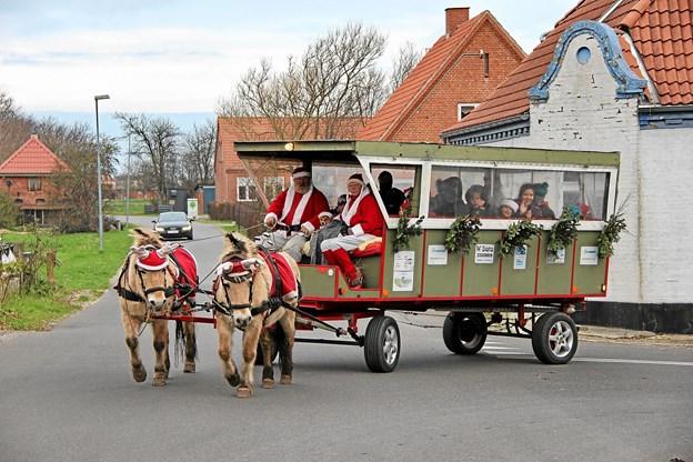 Julemanden ankommer til Margrethepladsen på Jegindø. Foto: Hans B. Henriksen Hans B. Henriksen