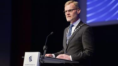 Tre år før tid: Rektor på Aalborg Universitet kan være på vej væk