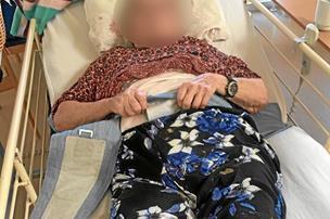 87-årige Kamma tvangsfikseret: Nu bliver minister kritiseret for at blande sig