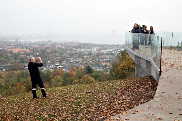 Kameraerne blev flittigt brugt på Pikkerbakken - både til at tage billeder af byen og tage billeder af de andre.