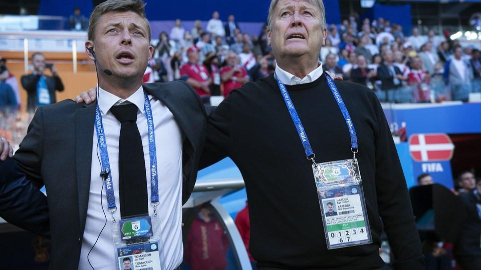 Den danske landstræner Åge Hareide og assisterende træner Jon Dahl Tomasson skal arbejde hårdt videre mod de næste to VM-kampe efter Danmarks heldige 1-0-sejr mod Peru, mener flere fodboldkommentatorer. Foto: Liselotte Sabroe/Ritzau Scanpix