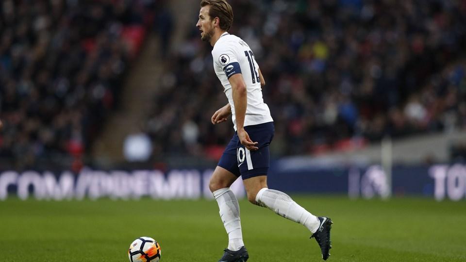 Harry Kane er et varmt navn i flere storklubber, men indtil videre er han tilfreds i Tottenham. Foto: Scanpix/Adrian Dennis/arkiv