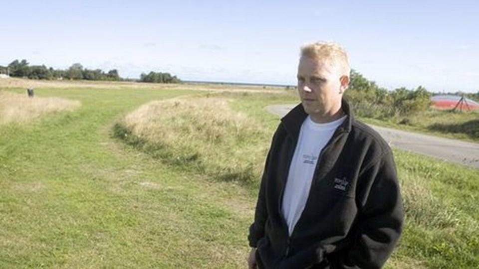 Indehaveren af Nordstrand Camping Mogens Sønderkær har købt dette område nord for Apholmvej, hvor han vil opføre hytter. FOTO: BENT JAKOBSEN