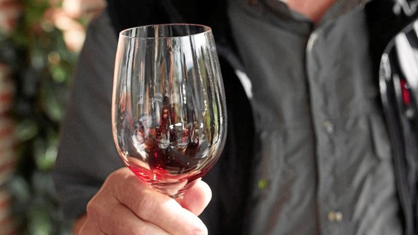 Glad for vin: Vild weekend i vente